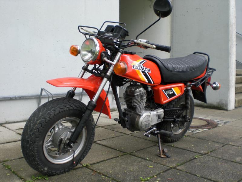 Yamaha Pstand